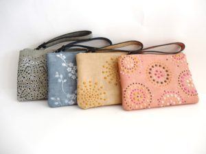 creatieve workshop utrecht vrijgezellen workshop clutch pimpen tas stippen verf clutch pimpen